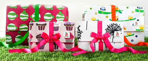 Gift it Green™ are reusable fabric gift boxes for all occasions and especially for this holiday season.