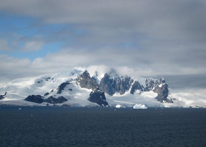Argentina-Antarctica-2010-195